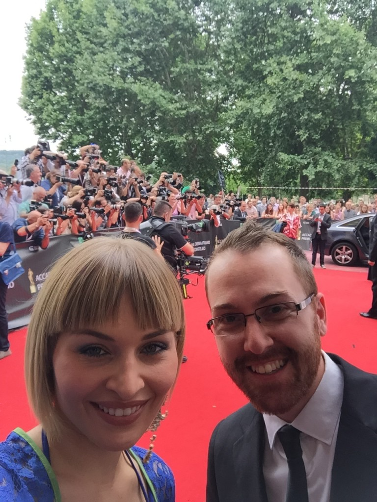 Attrice-Red-carpet-e1437475124947-768x1024