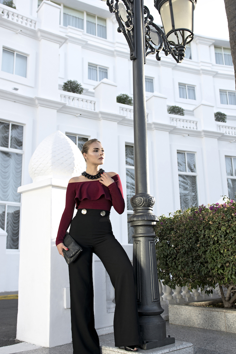 outfit pantaloni eleganti a palazzo